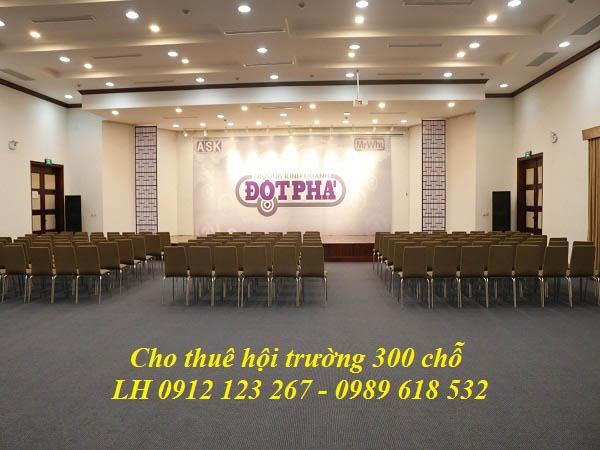 cho-thue-hoi-truong-300-cho