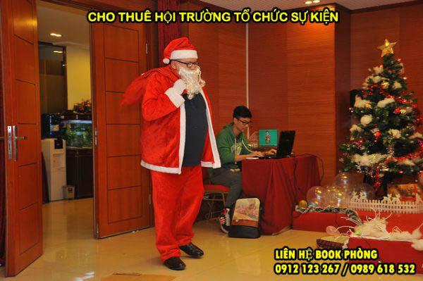 hoi-truong-noel1-600x399.jpg
