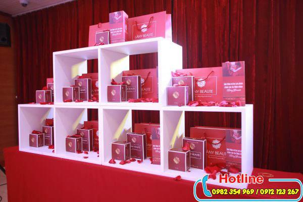 Hội trường tổ chức lễ ra mắt sản phẩm mới cho doanh nghiệp