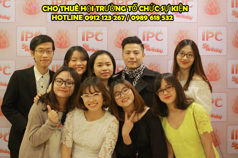 hoi-truong-sinh-nhat-clb