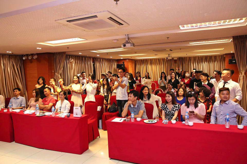 Lễ tốt nghiệp MC của Vietfire tổ chức tại Hội trường Vplace
