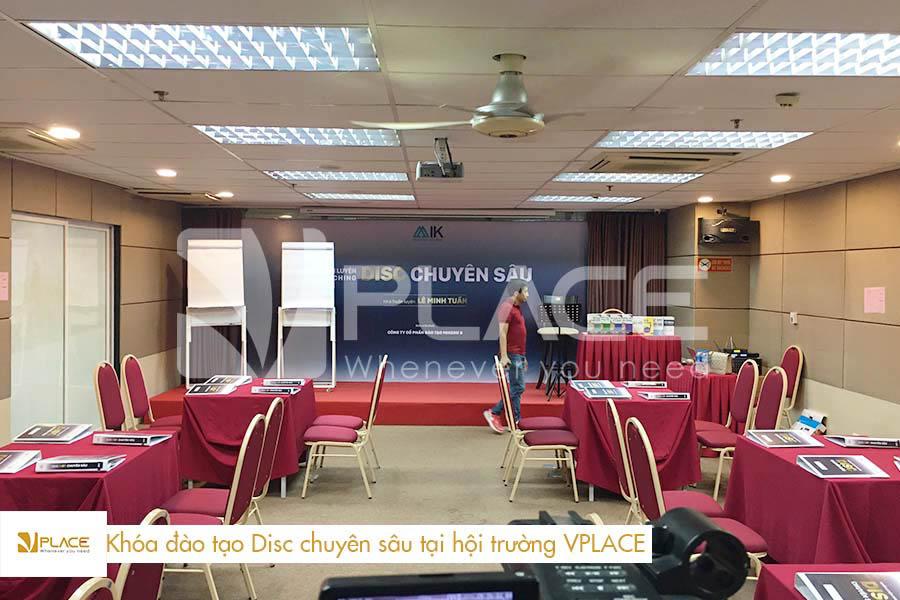 Phòng đào tạo Disc chuyên sâu tại hội trường VPLACE