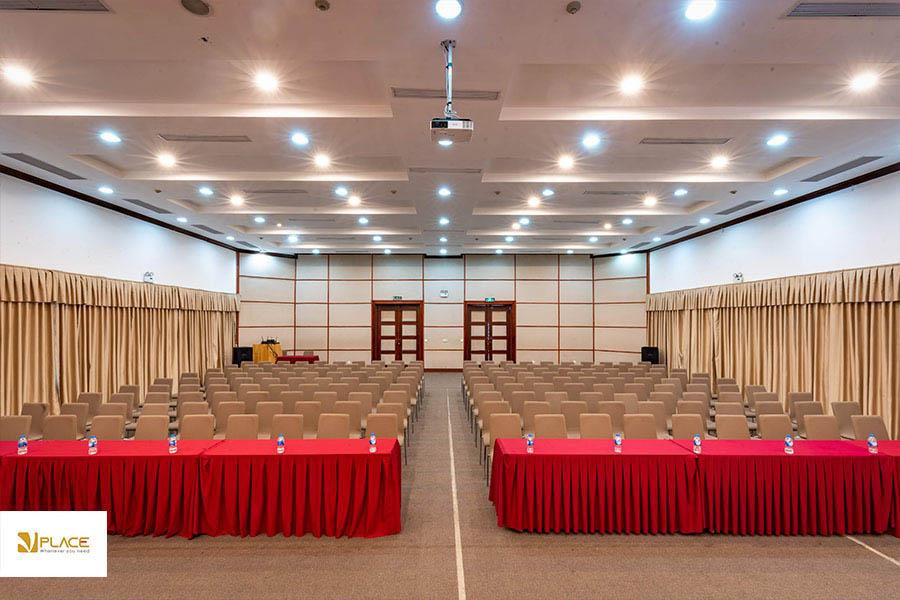 Hội trường 300 chỗ tổ chức tổng kết cuối năm