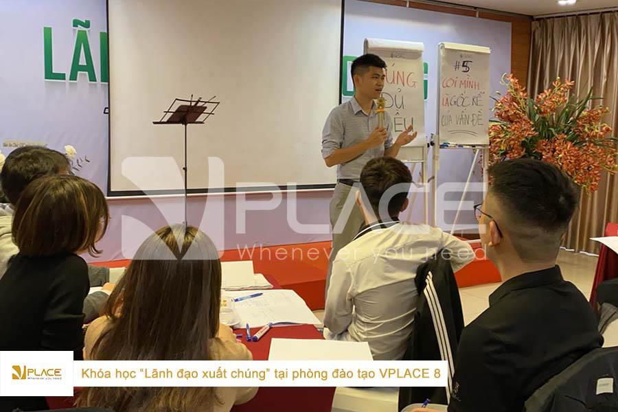 Lớp học Lãnh đạo xuất chúng tại phòng đào tạo Vplace 8