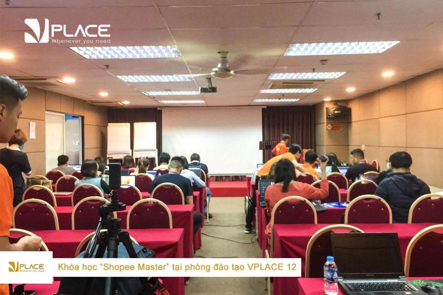 Lớp học Shopee Master tại phòng đào tạo Vplace 12