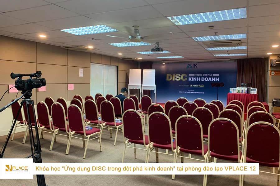 Lớp học Ứng dụng DISC trong đột phá kinh doanh tại phòng đào tạo Vplace 12