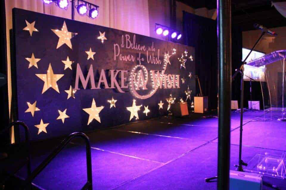 trang trí hội trường tổng kết cuối năm - Trang trí sân khấu chủ đề tết